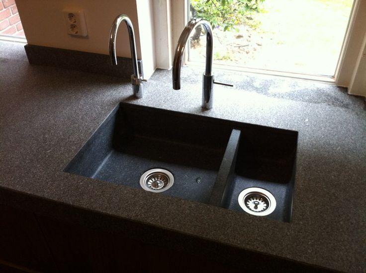 Keuken Aanrecht Graniet : Slegers Natuursteen, Keuken en Bad. Mooie granieten spoelbak, uit een