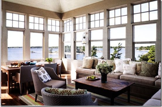 Lots of sunshine + gorgeous ocean view = living room heaven.
