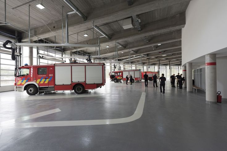 Gallery of Fire Station for the Sri-Charleroi   SAMYN and PARTNERS