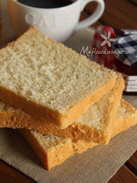 Mes enfants adorent les tartines du matin avec des tranche de pain de mie mais quand je lis les composition de celui acheté au commerce je doit dire que ça me freine ...! Avec cette superbe recette je suis tranquille..! Elle vient du site &Meilleur du...