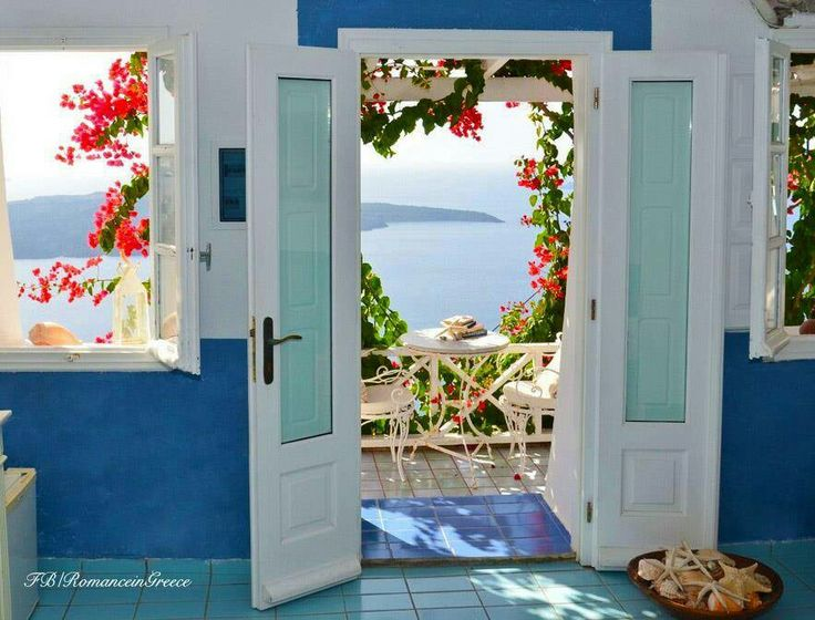 Colors and views!!! That's the secret of Greece.....