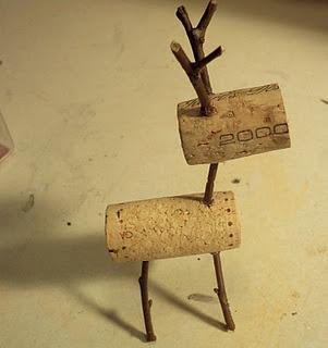 Make The Best of Things: Teeny Tiny Wine Cork Reindeer