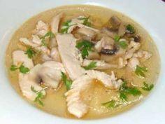 Sup Jamur - Disini ada cara membuat video resep sup jamur tiram hioko kancing es merang enoki kuping shitake bakso tahu daging ayam yang paling sederhana.