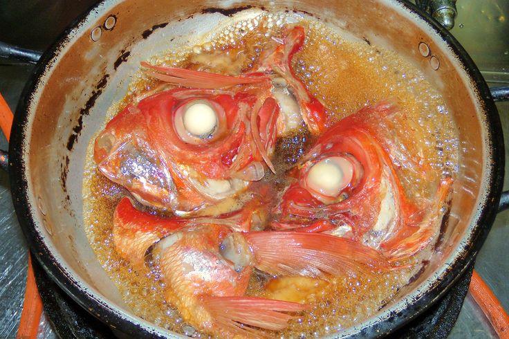 金目鯛のあら煮。大きな目の周りには、コラーゲンがたっぷり