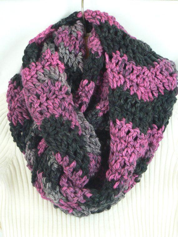 Crochet Scarf Patterns Zigzag : Cowl Scarf Chevron Zig Zag Pattern Chunky Crochet Handmade Crochet Wi ...