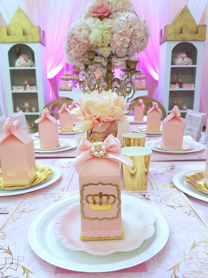 first princess birthday party table sitting with favor boxes princess bridal shower ideas in 2018 pinterest birthday birthday parties and princess