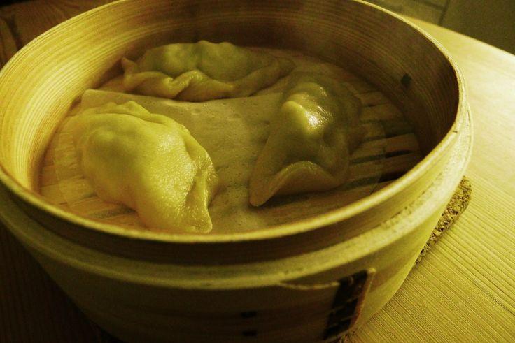 Dim Sum er blant våre absolutte favoritter, og man kan vel på mange måter si at dumplings har hovedrollen i dette fantastiske kinesiske måltidet. Vi lager de ofte sammen med kinesiske pannekaker og...