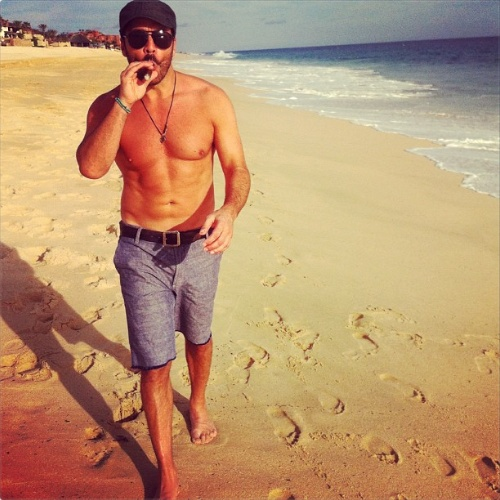 Jeremy Piven in Cabo. So Piven.......