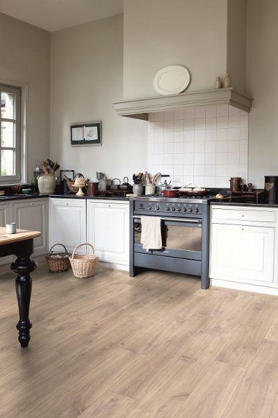 Laminaatvloer Classic Quick-Step havanna eik natuur met zaagsneden - vloeren ideeën | UW-vloer.nl #laminaat #vloer #laminaatvloeren
