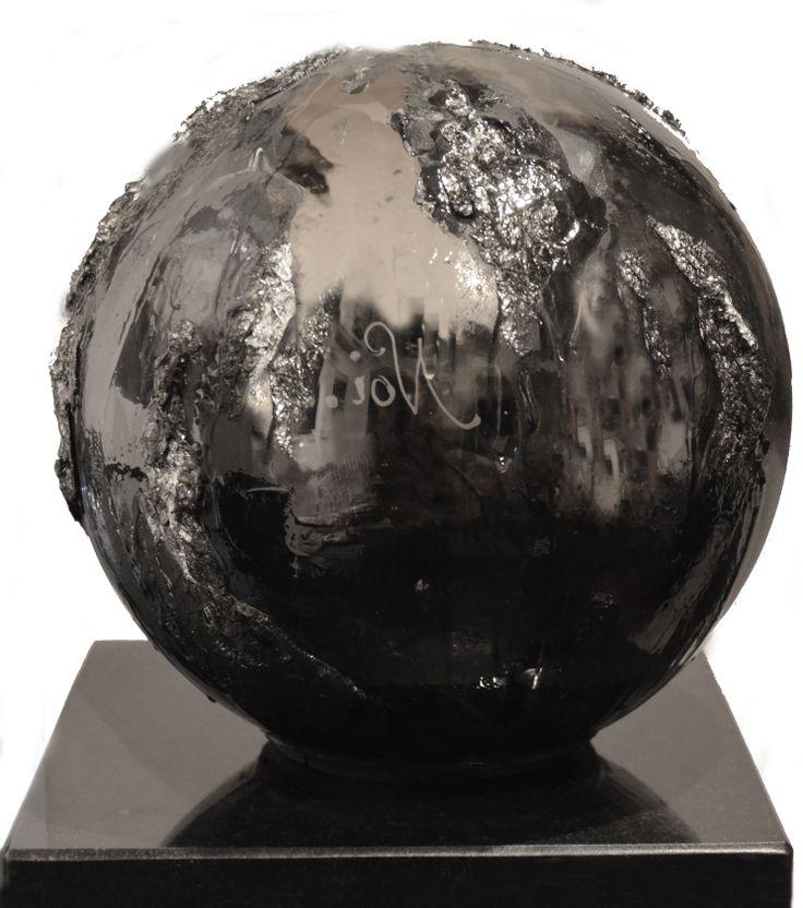 NOI, fusione in policarbonato, resina stagno e pigmenti minerali www.elenarede.com
