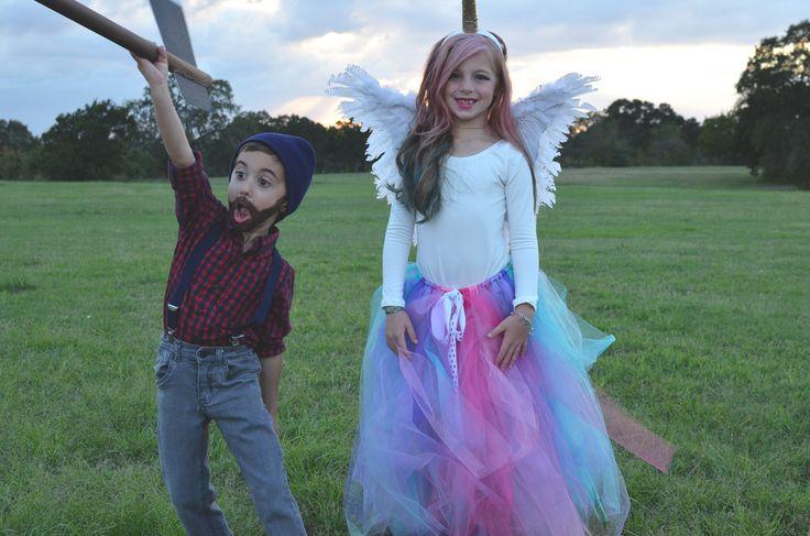 Children's Halloween costume. Boys lumberjack costume and girls unicorn costume. Easy DIY costume. #unicorn #lumberjack #kidscostume