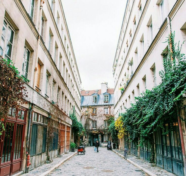the bastille neighborhood paris