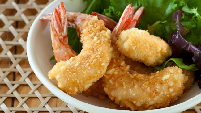 Macadamia crusted prawns