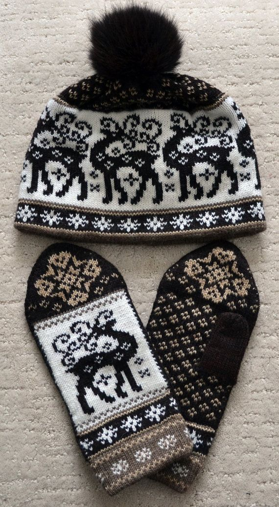 NORWEGIAN Scandinavian Hand Crafted 100% wool HAT and MITTENS set, M / L, folk art, Reindeer