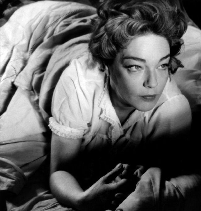 """Simone Signoret in """"Le Jour et l'Heure"""" directed by René Clément, 1962"""