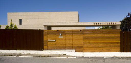 Cerramientos para terrenos de casas de madera http://ventacasasdemadera.com/2014/01/14/tipos-de-cerramientos-para-terrenos/  #madrid #casademadera #madera #casaspersonalizadas