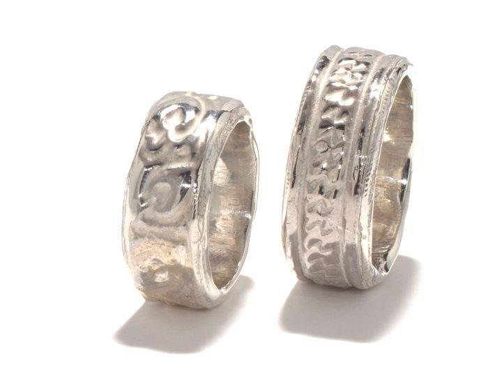 Imprint: Silver, casted / Zilver, gegoten