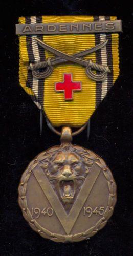 BE-Herinneringsmed-1940-45-bar-ARDENNES-Sabels-Rood-Kruis