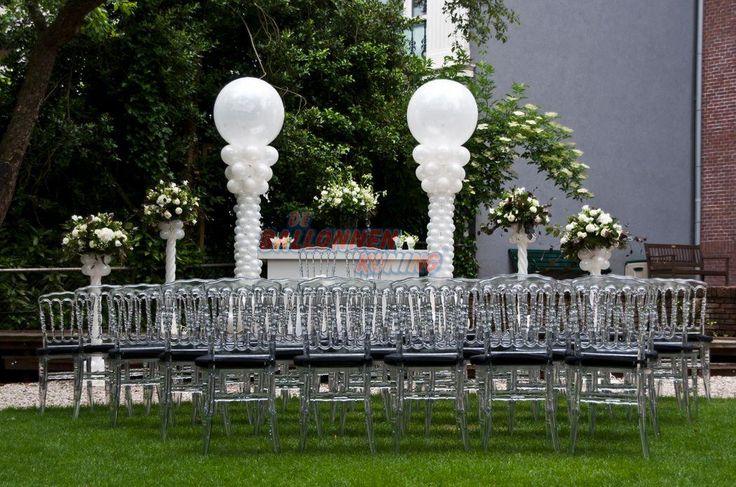 Dit is een alternatief voor de basis stoelen van Huis de Werve. Klassieke transparante stoelen. Geschikt voor maximaal 30 gasten ivm de ruimte en de hoeveelheid stoelen die er geleverd kunnen worden.