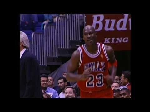 Michael Jordan Scores His 25,000th Point | Bulls vs Spurs | 11.30.1996