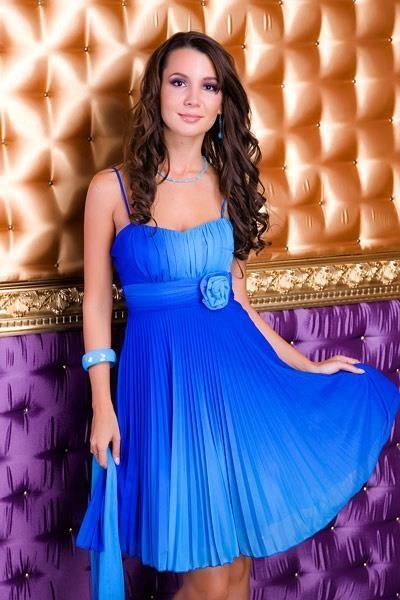 Платье с драпировкой и красивыми складками