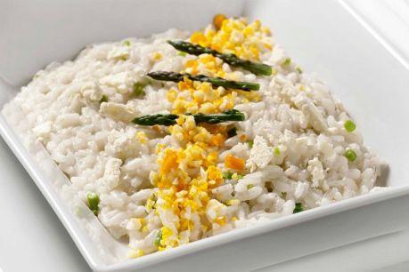Risotto con asparagi, scaglie di parmigiano e