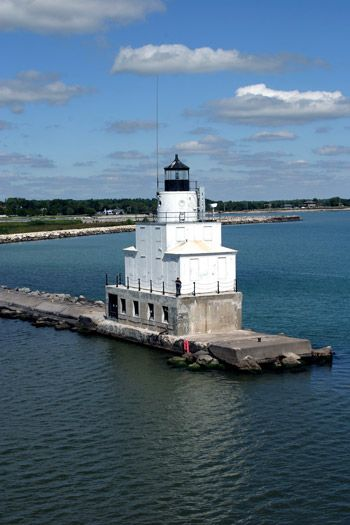Manitowoc Breakwater Lighthouse, Wisconsin at Lighthousefriends.com