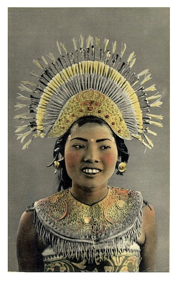 Balinese dancer, old postcard, 1940s