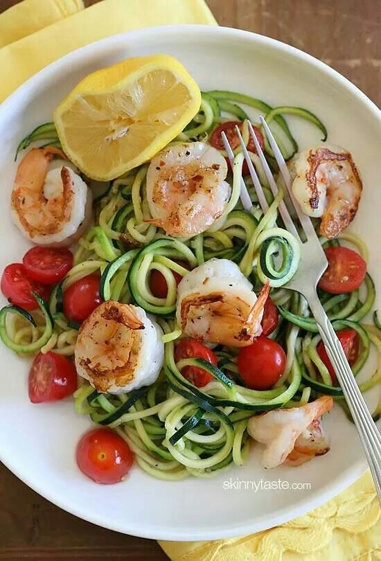 """Zucchini """"spagetti"""" with cherry tomatoes and grilled shrimp!!"""