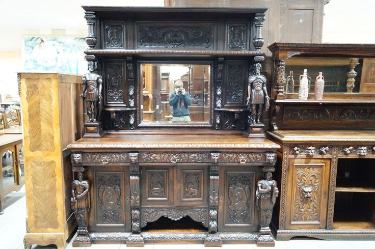 Салон Градеж - антикварный буфет с рыцарями в стиле ренессанс, buffet, antique
