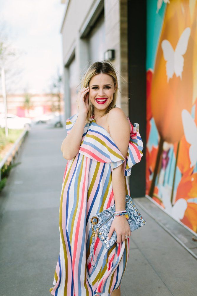Spring fashion | Spring Dress | Maternity Fashion | Maternity dresses | Uptown with Elly Brown