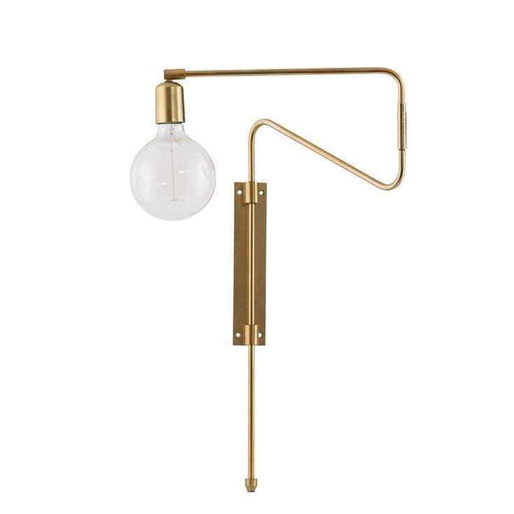 Swing vegglampe fra House Doctor har har en veldig smart og interessant design der lampearmene kan s...