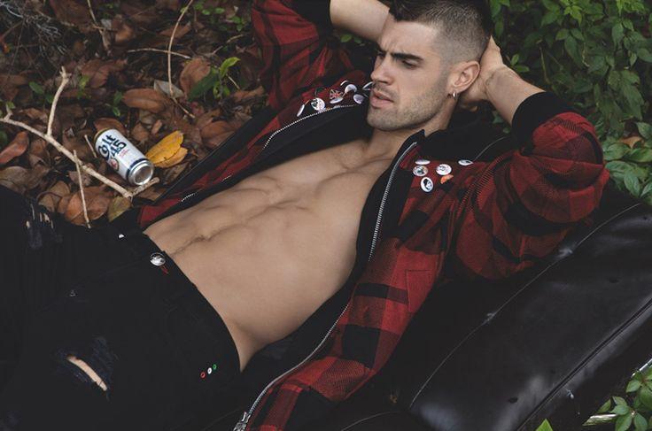 Vandell   azuritegallery:   Chad White by Milan Vukmirovic