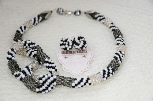 Twist of tweed - corchet beading necklace www.colectiademargele.ro