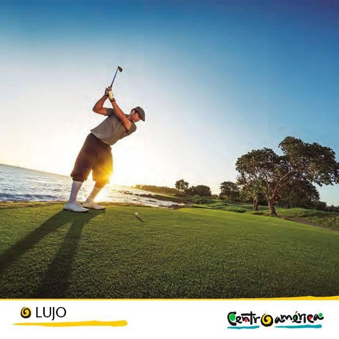 Aprovecha tu estadía en Centroamérica y anímate a practicar golf en los mejores campos que tiene unas vistas espectaculares!