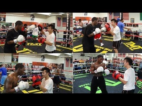 Zach Cooper padwork with Chi Tao Li at the Mayweather Boxing Club (March 20 2014) - YouTube
