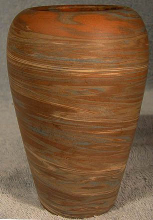 Niloak Mission Swirl 4-5/8 Pottery Vase with Sticker