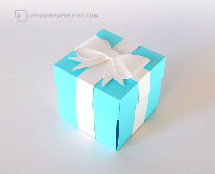 Blue Favor Box with Bow  / Blue Exploding Box / Blue Gift Box by LeftoverPaper on Etsy https://www.etsy.com/listing/240266484/blue-favor-box-with-bow-blue-exploding
