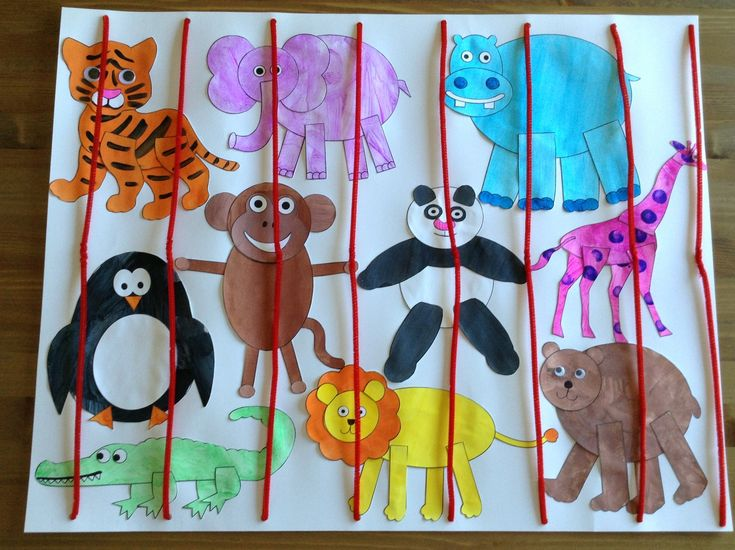 Zoo Craft using printables from learncreatelove.com - Animal Craft, but with animal crackers