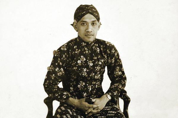 Orang-Orang Indonesia di Belanda (13): Kelompok Mahasiswa Keraton Surakarta dan Yogyakarta
