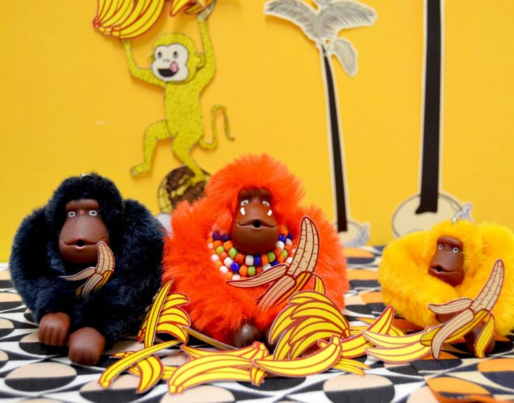 Our little couple of Kipling Monkeys meet with the Kipling Mix Monkey, the King of the Jungle