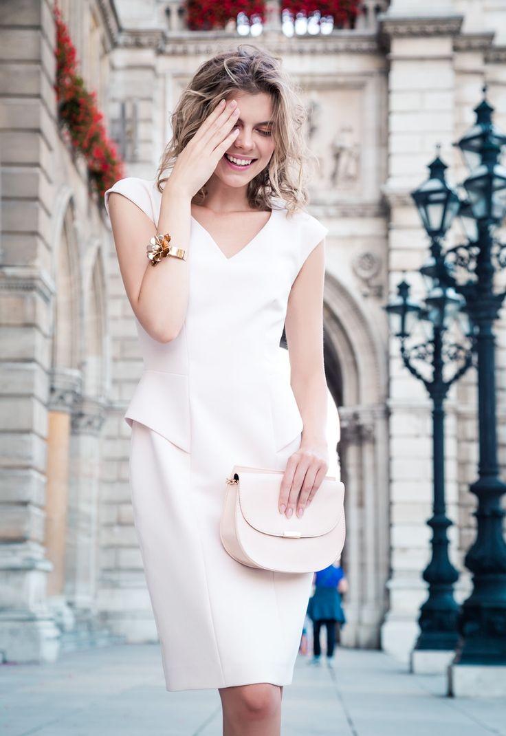 Dress: Rene Lezard Purse: Forever 21 Accessory: @mangofashion  📷 Dyre Espana 💄 Ariane Yury Ribeiro Inspiration for: @jesslavitol @poppyrg2 @tuvaforssen01 @morganann09 @Rebekahardin14 @amarquis818 @madiisonpaiige @erdpino @addiimae