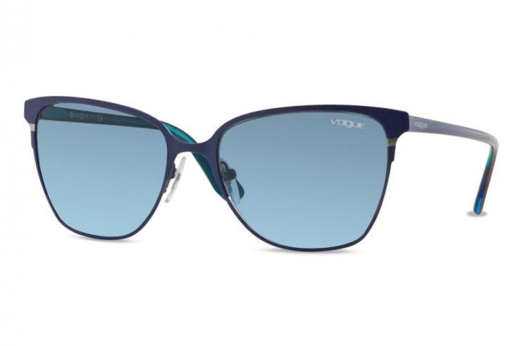 Chez Gweleo, opticien en ligne, Nouveauté, Lunettes de soleil Vogue VO 3962S-982S8F-56 mm (Matte Brushed Blue) Bleu dégradé pas cher