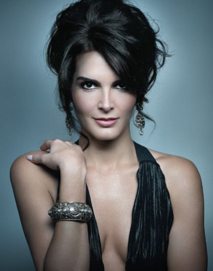 angie harmon she ain t racist she pretty - Angie Harmon Images, Pictures, Photos, Icons and Wallpapers: Ravepad - the place to rave about anything and everything!