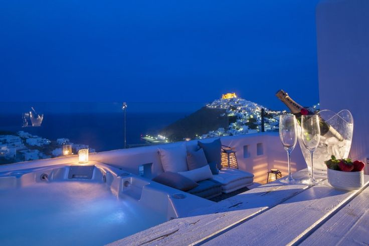 Jacuzzi and Relaxation of Villa Soleado in Astypalaia: http://instylevillas.net/property/villa-soleado-astypalaia/