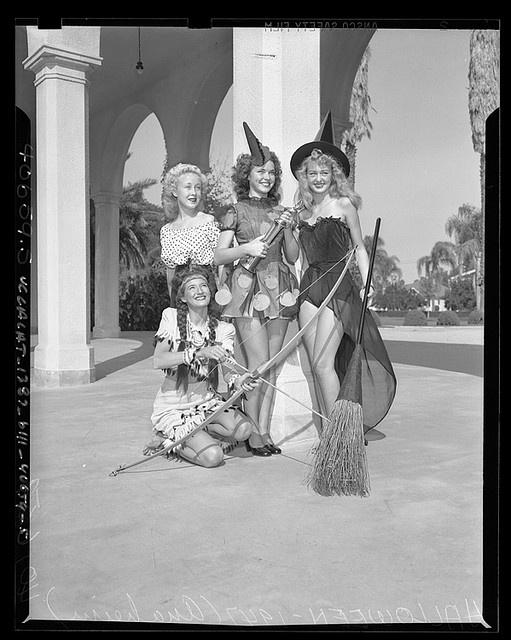 Four contestants of the Halloween Slick Chick beauty contest in  Anaheim, Calif., 1947: Halloween Stuff, Vintage Halloween Costumes, Vintagehalloween, Vintage Pin, Witch Costumes, Costumes Halloween, Vintage Costumes, Halloween Photos, Costumes Ideas