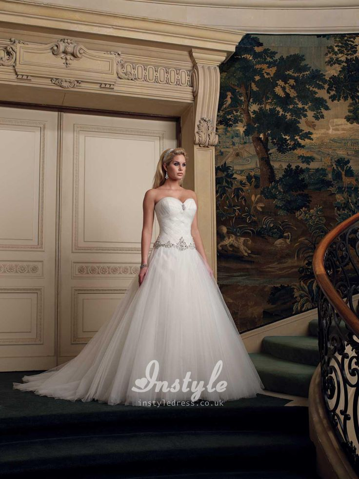 strapless sweetheart tulle wedding dress uk