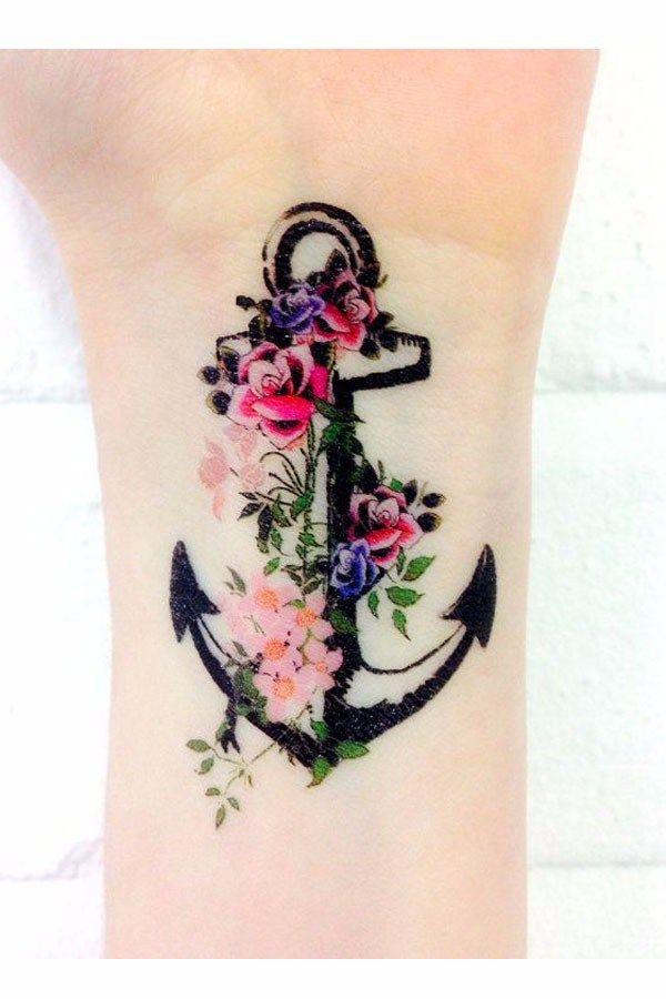tatouage style marin ancre florale