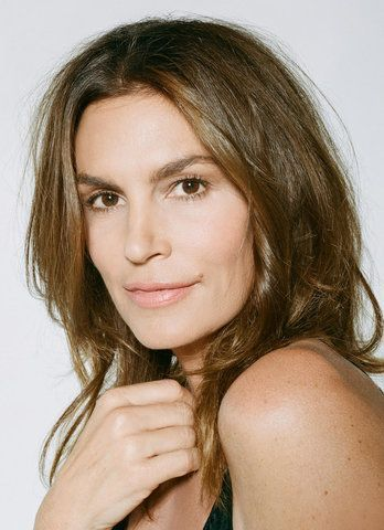Cindy Crawford Has Perfected Her Anti-Aging Skin Care Routine–Here's Exactly What She Does