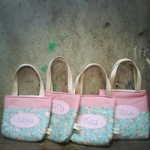 It's a mukena simple tote bag with a personalized name on each bag. Love the fabric